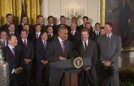 Video: Presidentti Obama vitsailee Phil Kesselin Stanley Cup -mestaruudella