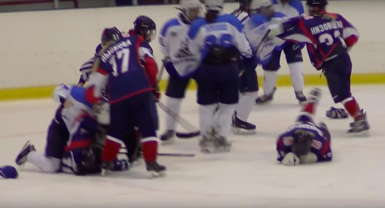 Video: Joukkotappelu Venäjällä naisten liigassa | Laitataklaus.com