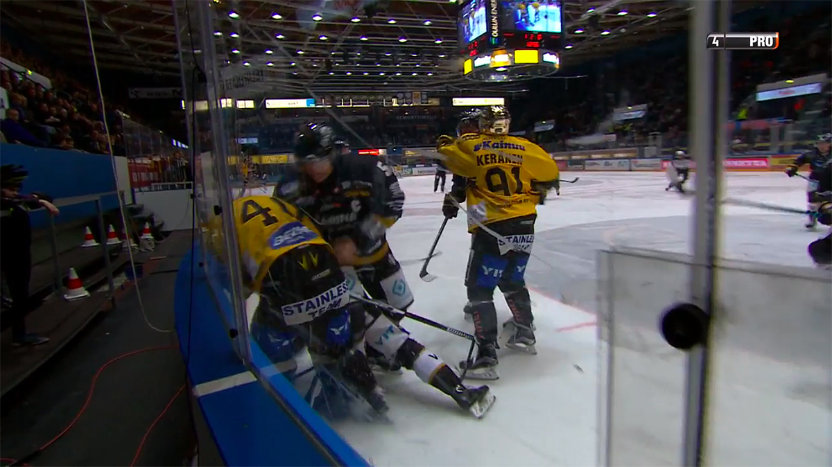 Video: Poliisi-Kukkonen tositoimissa Raksilan illassa - hanskat tippui   Laitataklaus.com