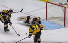 Video: Tuukka Raskilta upea tuplatorjunta Penguinsia vastaan
