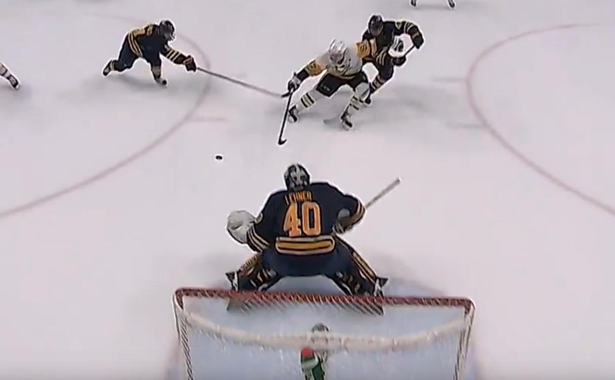 Video: Crosbyn nöyrä yhden käden rysty sai yleisön haukkomaan henkeään