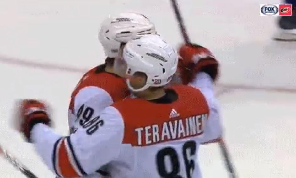 Video: Teuvo Teräväinen tehokkaana - maali ja pari syöttöä Leafsin rysään