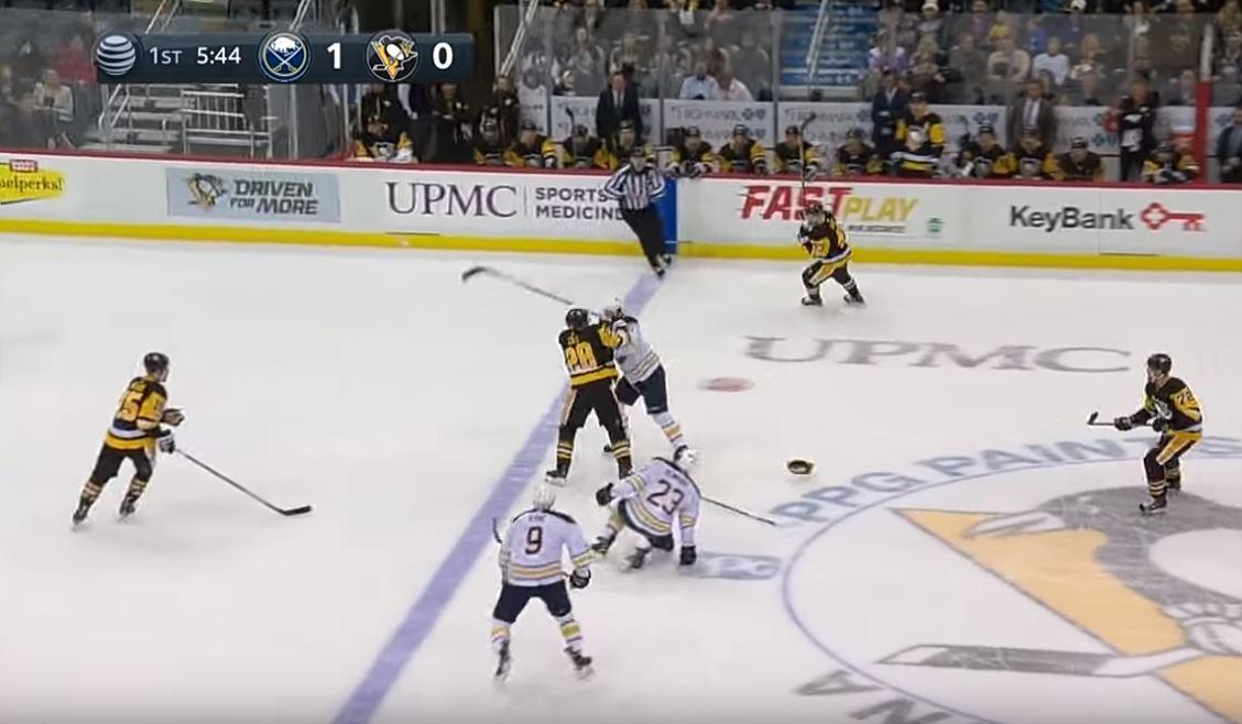 Video: Penguinsin Cole jysäytti kovan pommin - Jack Eichel tiputti hanskat