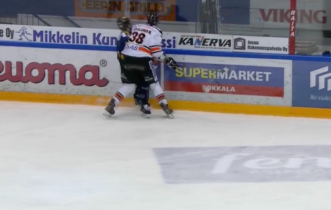 Video: HPK:n Miro Karjalaiselle jo kauden kolmas ulosajo | Laitataklaus.com