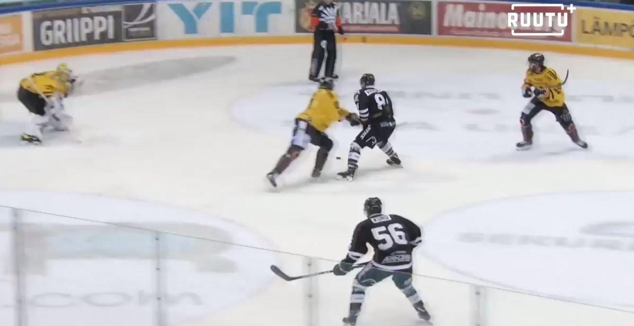 Video: Ilkka Pikkarainen sooloili yhden kauden hävyttömimmistä osumista