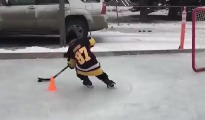 8-vuotias Roman James Marcotte omaa eittämättä valtavat lahjat jääkiekkoilijana.