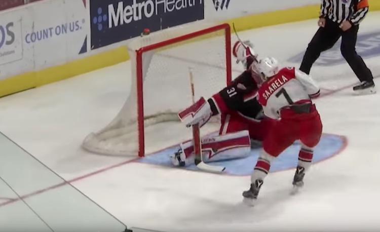 Aleksi Saarela on nakuttanut kuluvalla kaudella 31 AHL-otteluun 13 täysosumaa.