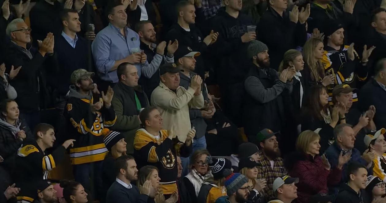 VIDEO: Bruins-faneilta raikuvat suosionosoitukset ex-koutsi Claude Julienille