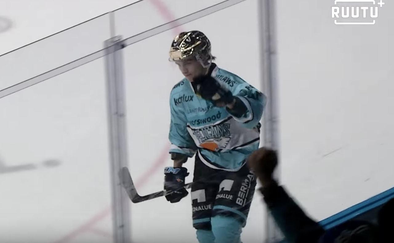 Iikka Kangasniemi on vaihtamassa Hämeen Sanomien mukaan ensi kaudeksi Pelicans-paidan HIFK-nuttuun.