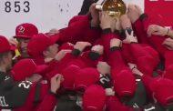 U20 MM-kisat: Tätä se nykyaika on - jäätävä kuva Kanadan pukuhuoneesta mestaruuden jälkeen