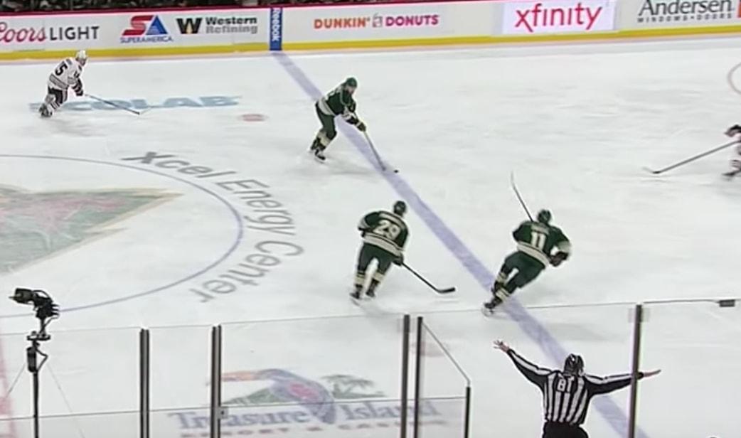 NHL:n paitsiohaastot ovat jälleen tulikuuma puheenaihe. Pitäisikö säännöstä luopua?