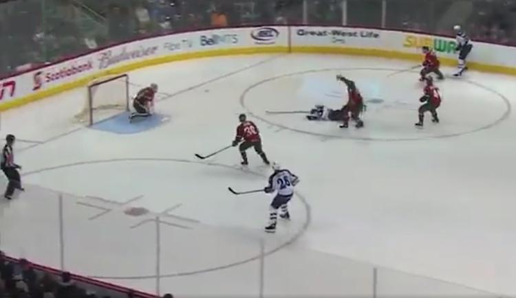 Winnipeg Jetsin organisaatiossa pelaava Nic Petan viimeisteli upean osuman AHL:ssä.