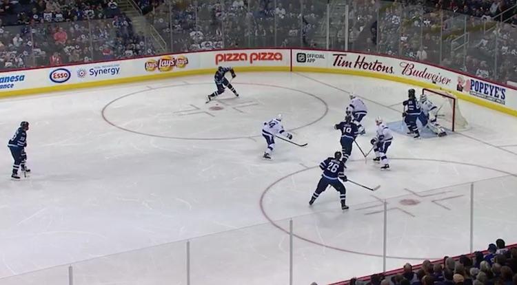 Patrik Laine on tällä hetkellä tismalleen samassa pistevauhdissa kuin NHL-tulokaskaudellaan.