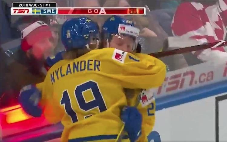 VIDEO - U20 MM-kisat: Ruotsi tuhosi USA:n alivoimalla - iski kahdesti saman jäähyn aikana