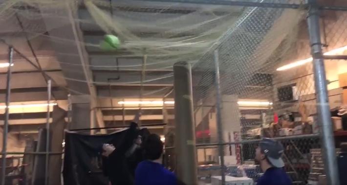 Vancouverin pelaajat joutuivat hieman erilaisen haasteen eteen, kun lämmittelypallo katosi