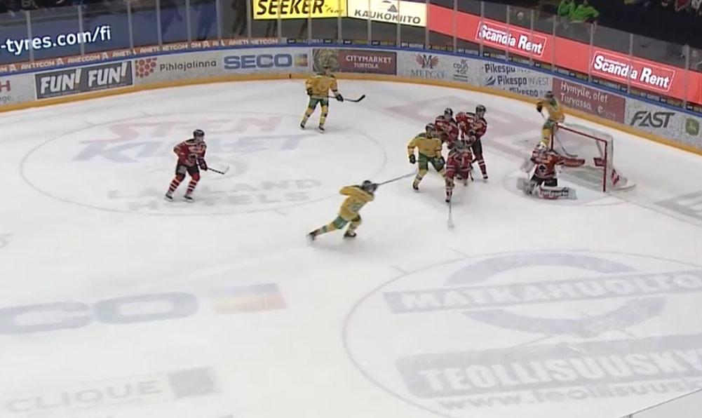 Ville Meskanen teki illan ottelussa kaksi maalia 19 sekuntiin ja hattutempun.