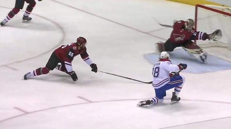Antti Raannalta nähtiin huikea hanskatorjunta, ja venyminen, ottelussa Montreal Canadiensia vastaan.