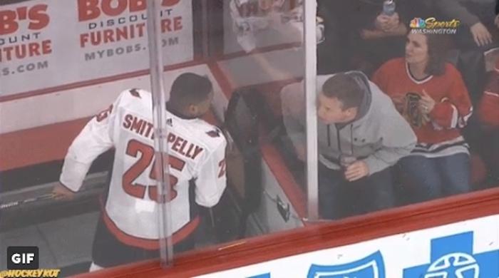 Devante Smith-Pelly joutui rasististen huutojen kohteeksi.