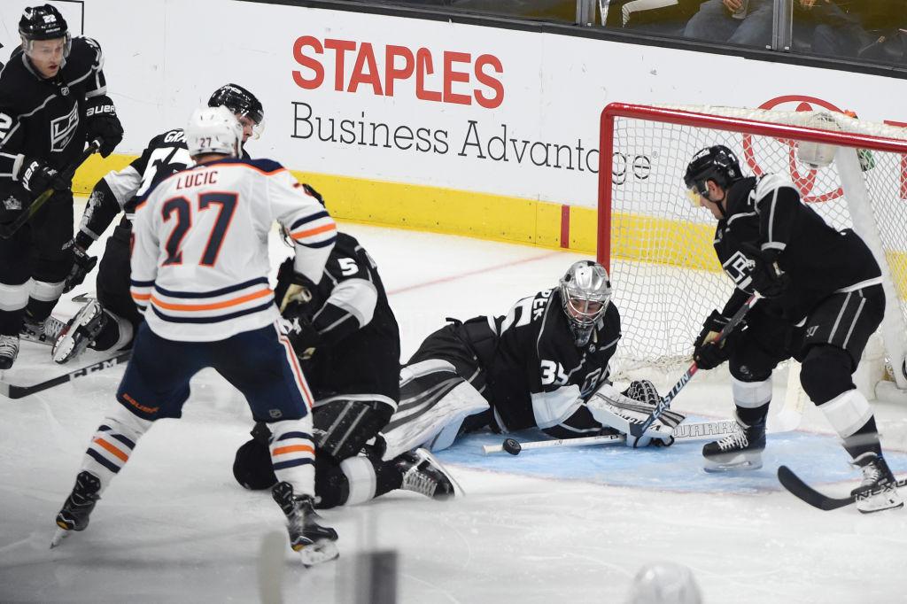 Darcy Kuemperin maali oli ajoittain kuin noiduttu ottelussa Edmonton Oilersia vastaan.