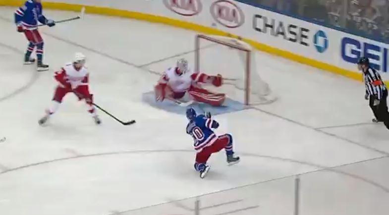 VIDEO: Jimmy Howard nappasi uskomattoman hanskaseivin Rangersia vastaan
