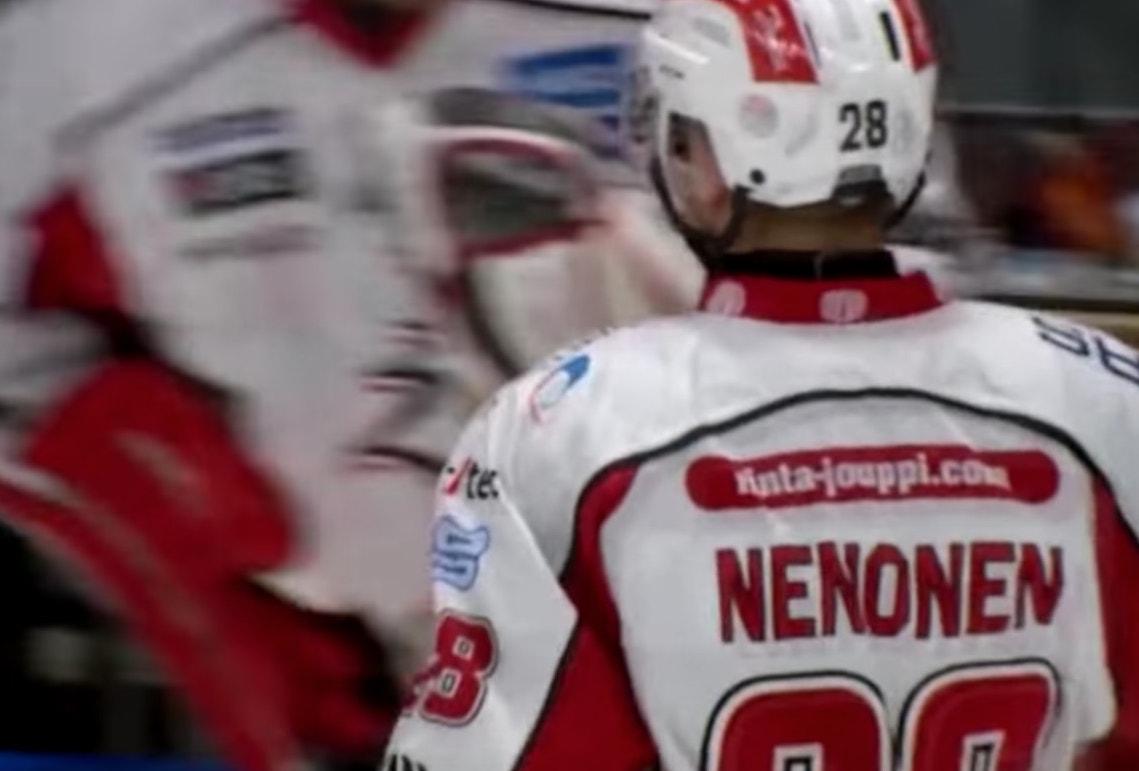 Markus Nenonen on matkaamassa huhujen perusteella Tampereen Tapparan riveihin.
