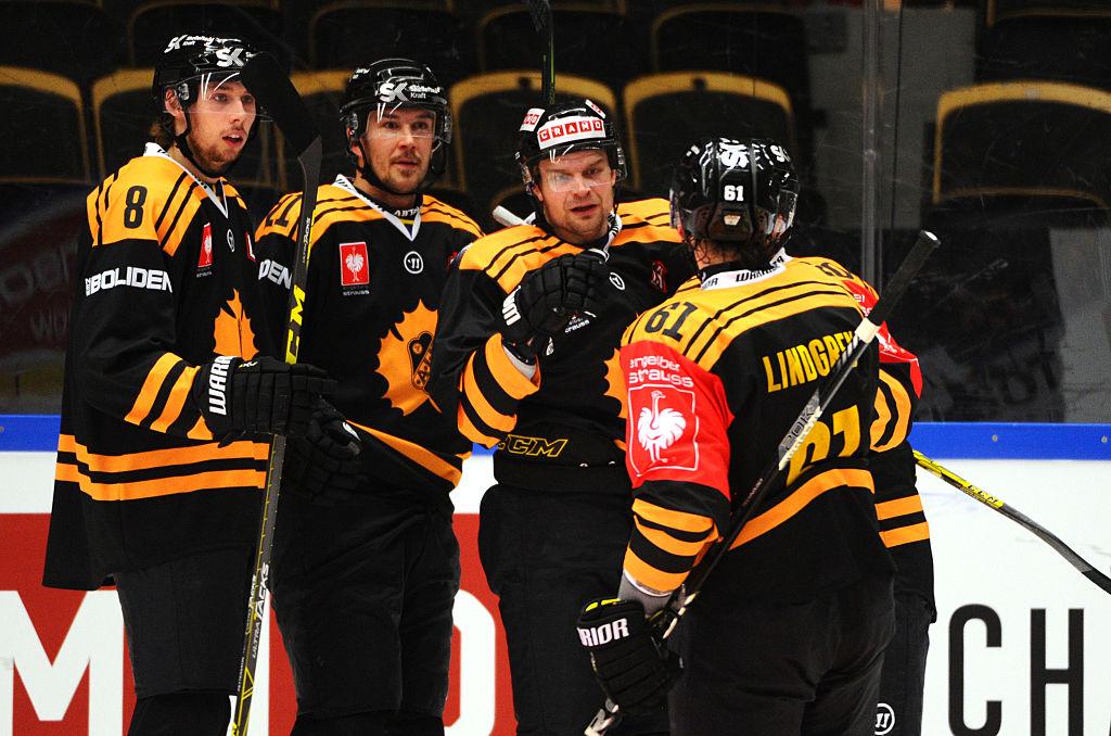 Muun muassa Janne Pesonen pääsee taistelemaan SHL:n mestaruudesta. Voit katsoa SHL-finaalit ilmaiseksi Unibet TV:stä.