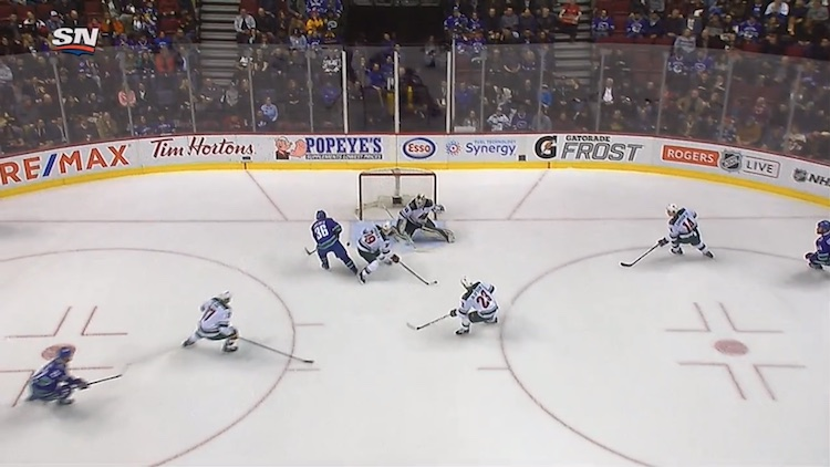 Jussi Jokinen on aloittanut uransa Vancouver Canucksin pelaajana varsin vahvasti.