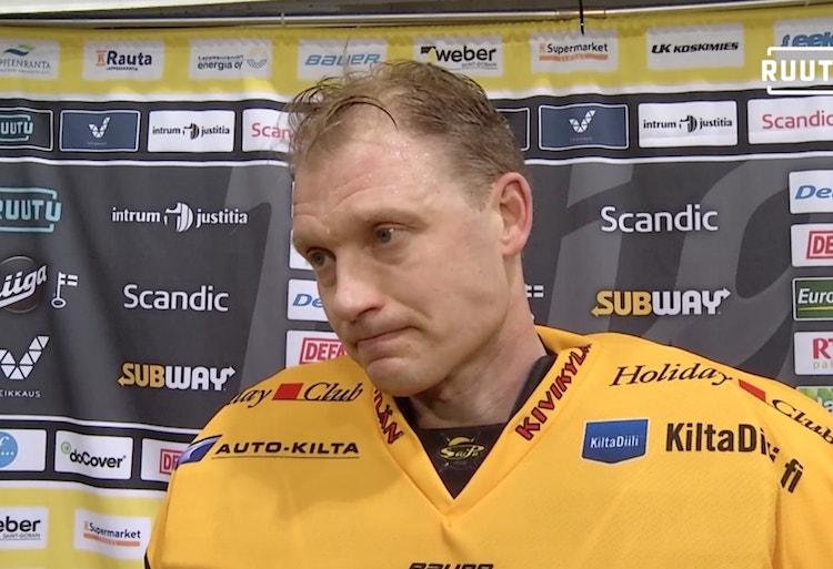 Jussi Markkanen herkistyi eilisen Jukurit-pelin jälkeen, joka oli hänen viimeinen runkosarjaottelunsa Liiga-tasolla.