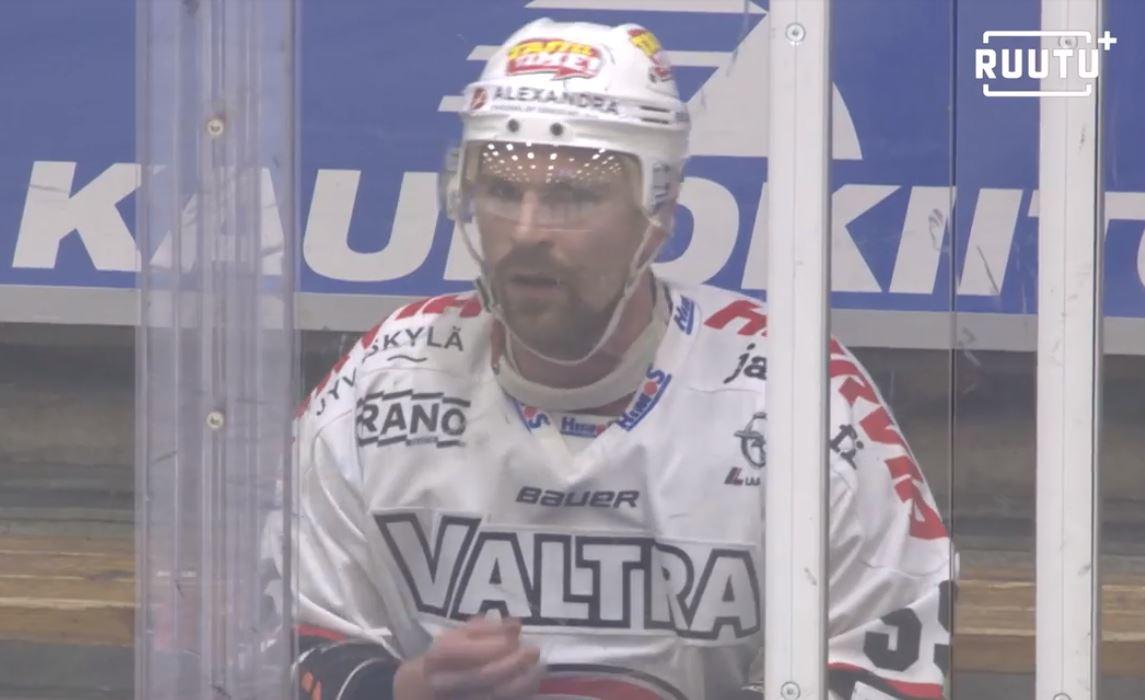 VIDEO: Janne Kolehmainen otti neljä jäähyä avauserässä - HIFK rokotti kahdesti