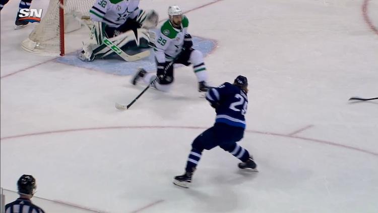 Patrik Laineen kaksi maalia nostivat hänet jälleen NHL:n maalipörssin jaetulle ykkössijalle.