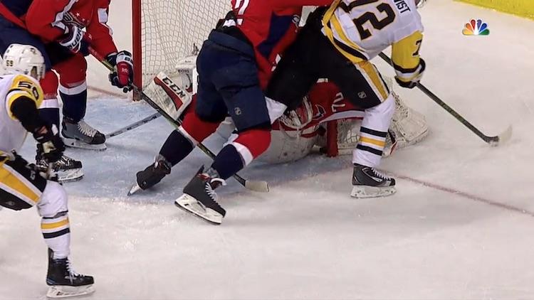 KUVA: Capitals tasoitti ottelusarjan, ryöstettiinkö Penguinsilta maali?