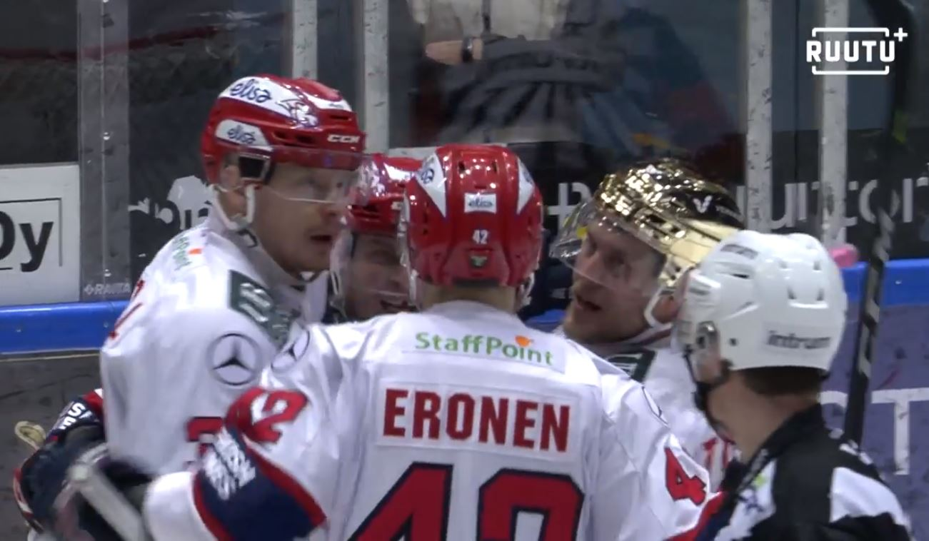 VIDEO: Liigan välierät käyntiin - HIFK voitti Kärpät tylyllä esityksellä vieraissa