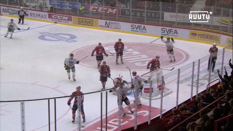 Lasse Kukkonen teki maalin Kärppien voittoon päättyneessä välieräottelussa.