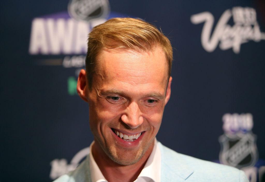 Tulihan se sieltä! Pekka Rinne valittiin NHL:n parhaaksi maalivahdiksi