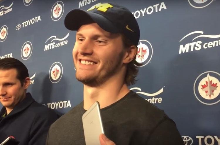 NHL:ssä suuri vaihtokauppa - Jacob Trouba treidattiin New Yorkiin