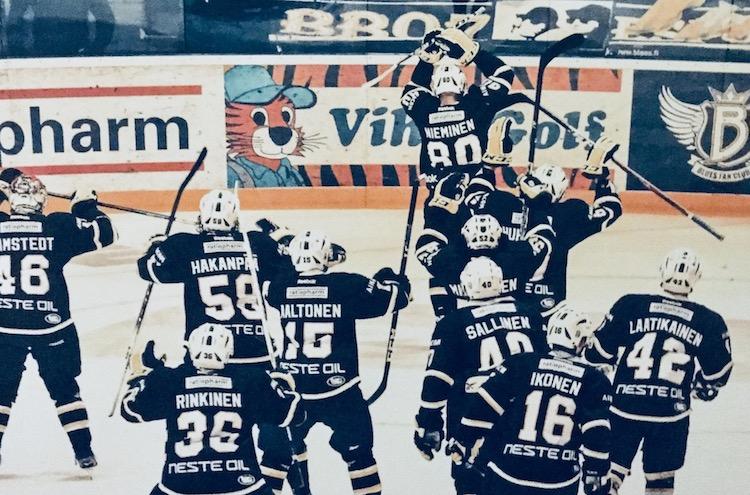 Niko Nieminen teki Ilvestä vastaan kaksi maalia. Muutama ottelu tästä ja ura oli ohi olkapäävamman vuoksi.