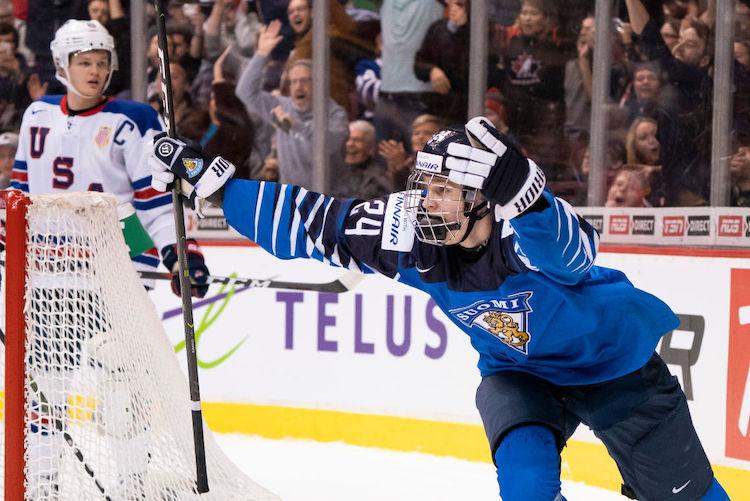 Kaapo Kakko on peliyhtiön suosikki NHL:n ykkösvaraukseksi.