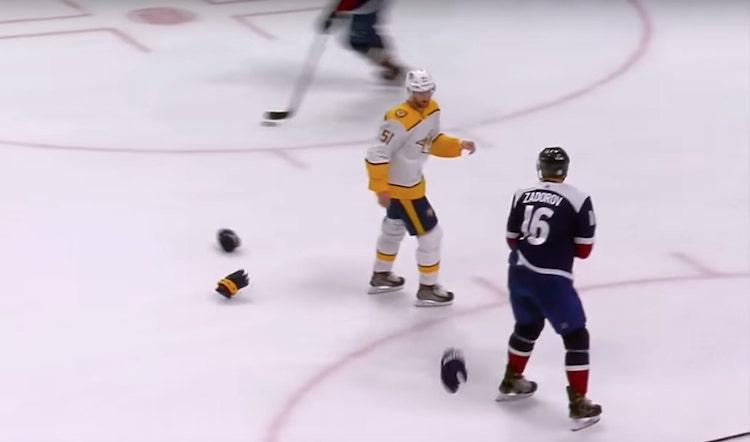 VIDEO: NHL:ssä jaettiin oikeutta tappelun kautta - Zadorov maksoi taklauksesta kovan hinnan