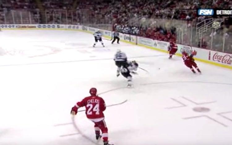 Pavel Datsyuk kynäili Sharks-pelaajat aivan kuutamolle.