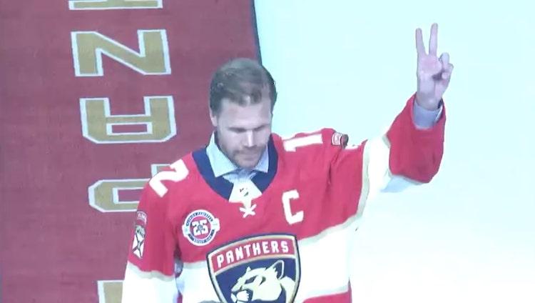 Olli Jokinen puki Panthers-paidan ylleen vielä kerran.
