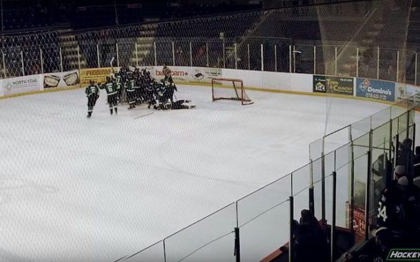 VIDEO: Juniorisarjassa ennenäkemätön ratkaisu - maalivahti teki voittomaalin!