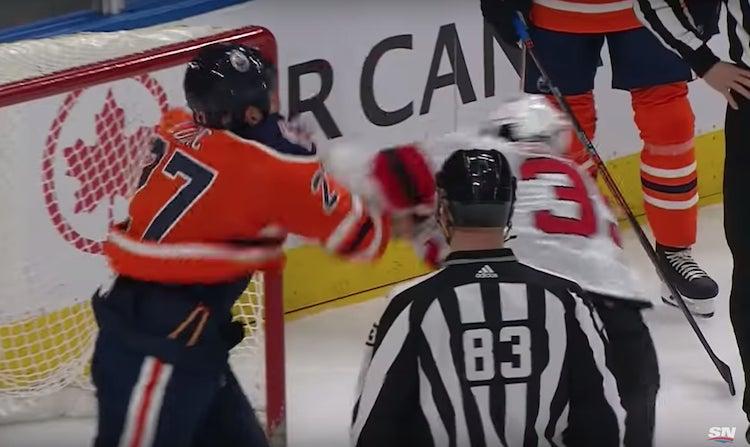 VIDEO: NHL:ssä todellinen raskaansarjan nyrkkitappelu -