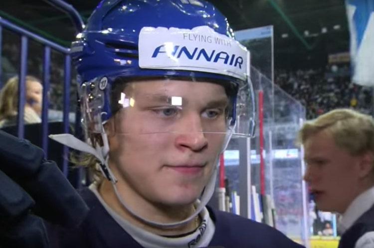 Kasper Björkqvist on rikkonut ennätyksiä Penguinsin nuorten pelaajien leirillä.