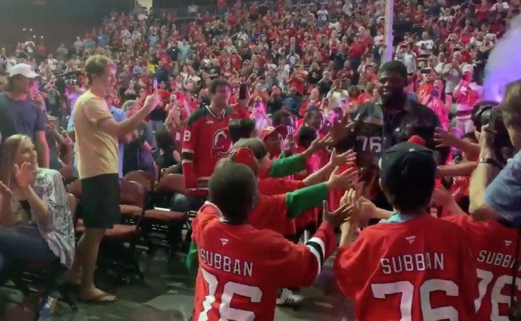 VIDEO: P.K. Subban saapui New Jerseyyn kuin rokkistara - uskomaton vastaanotto
