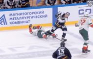 VIDEO: KHL:ssä hurja mutta puhdas taklaus - vastustaja menetti tajuntansa
