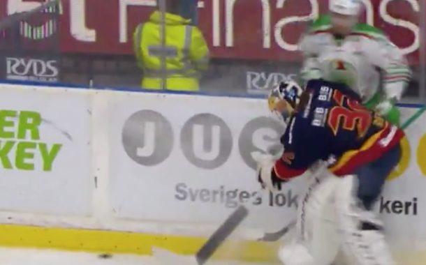 VIDEO: Karri Rämö taklasi vastustajan jään pintaan - yleisöltä valtavat suosionosoitukset