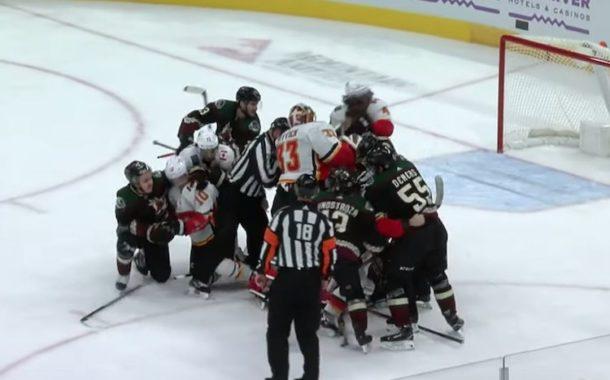 VIDEO: Calgaryn ja Arizonan matsissa joukkotappelu! Myös maalivahdit osallisena