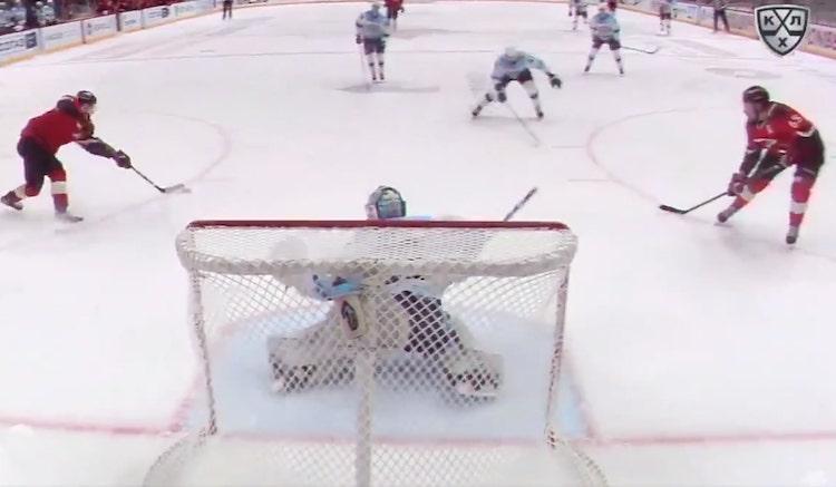 Harri Säteriltä nähtiin KHL:ssä komea pysäytys.