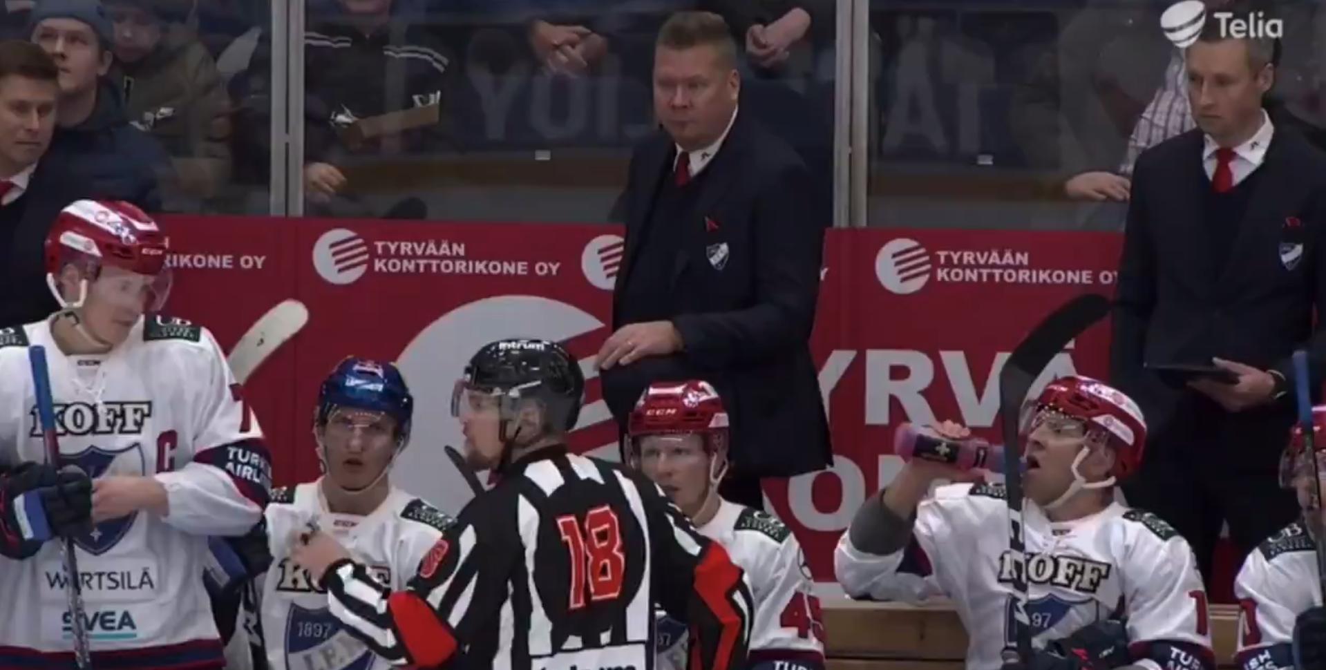 Video: HIFK-valmentajan huutelu tuomarille hämmentää -
